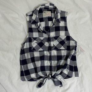 NWT Garage Sleeveless Front-Tie Flannel